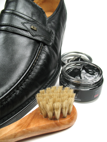 Our Staff Work Throughout Metro Toronto Richmond Hill Markham And Woodbridge Shining Shoes For Busy Travelling Business People Executives